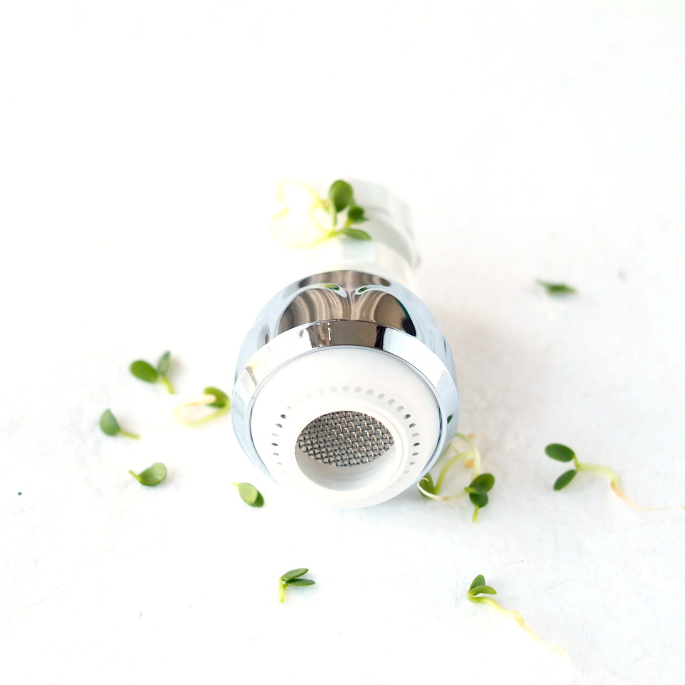 Rinsing seeds for sprouts and microgreens