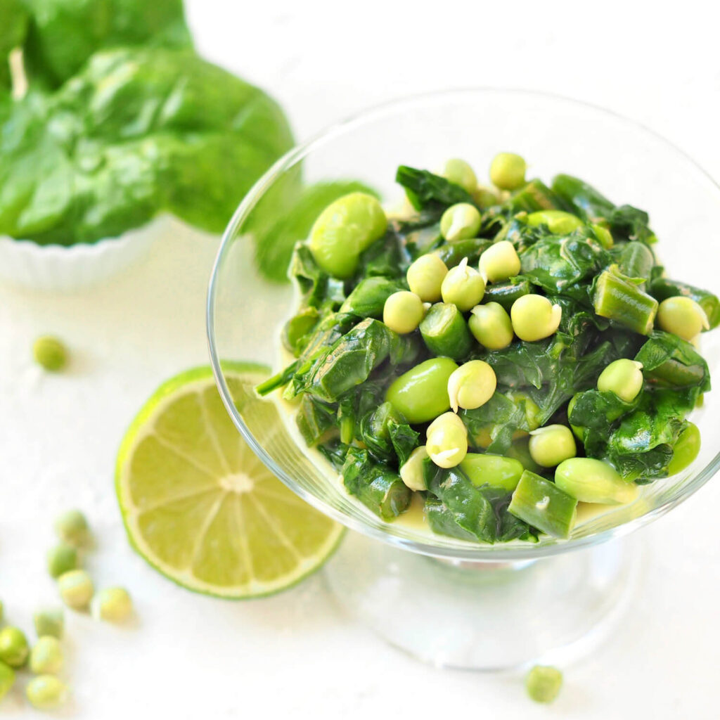 Cream stewed spinach with pea sprouts
